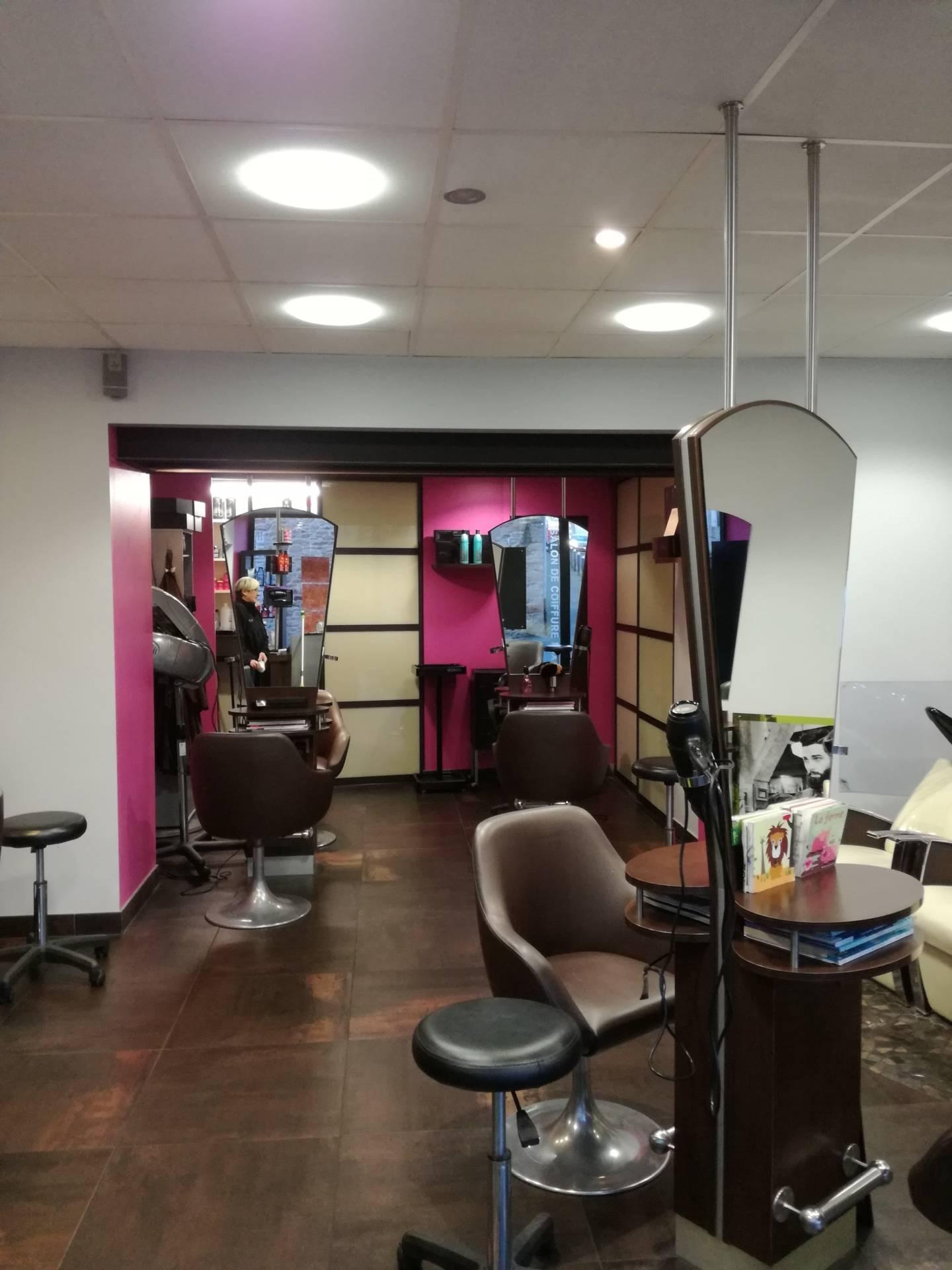 Rénovation salon de coiffure by Agence BFB Lorient et Ile de Ré