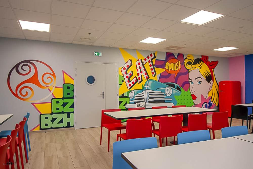Aménagement et décoration Salle de Pause en agroalimentaire - Agence BFB Lorient, ïle de Ré - salle restauration, Fresque murale peinte main Salle Pause PontivyFresque murale salle pause Pontivy -