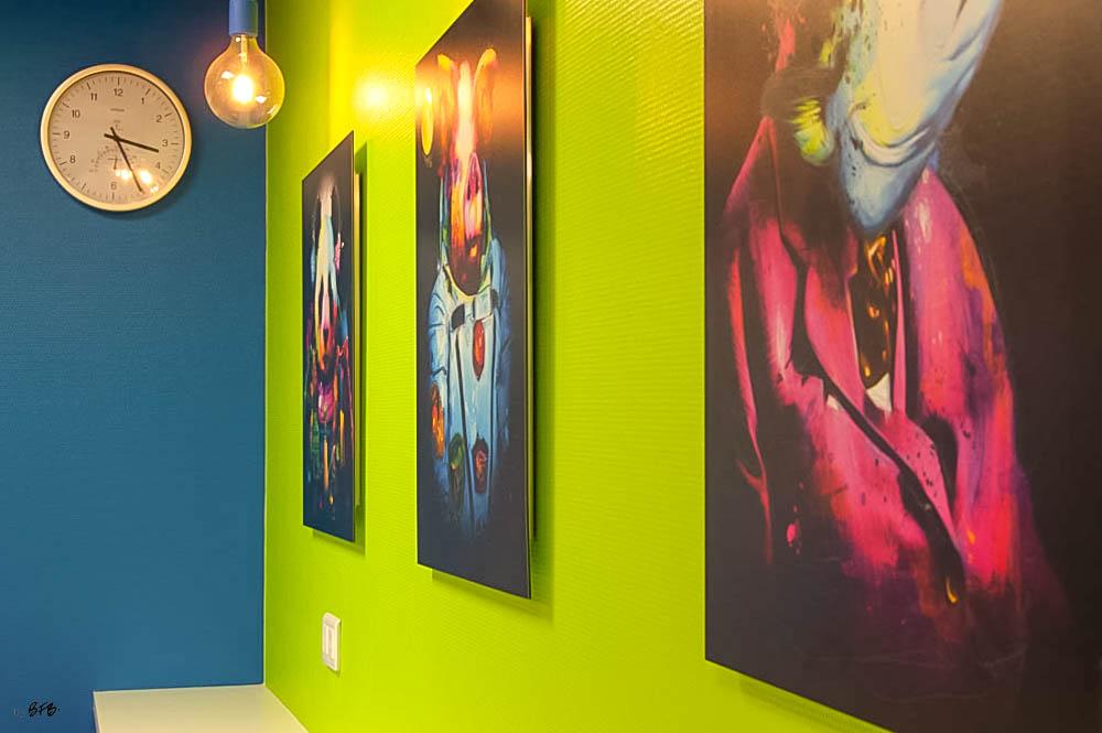 Aménagement Salle de pause entreprise agroalimentaire à Pontivy - Agence BFB Lorient - Tableaux de @Patrice Murciano - oeuvres Pop Art