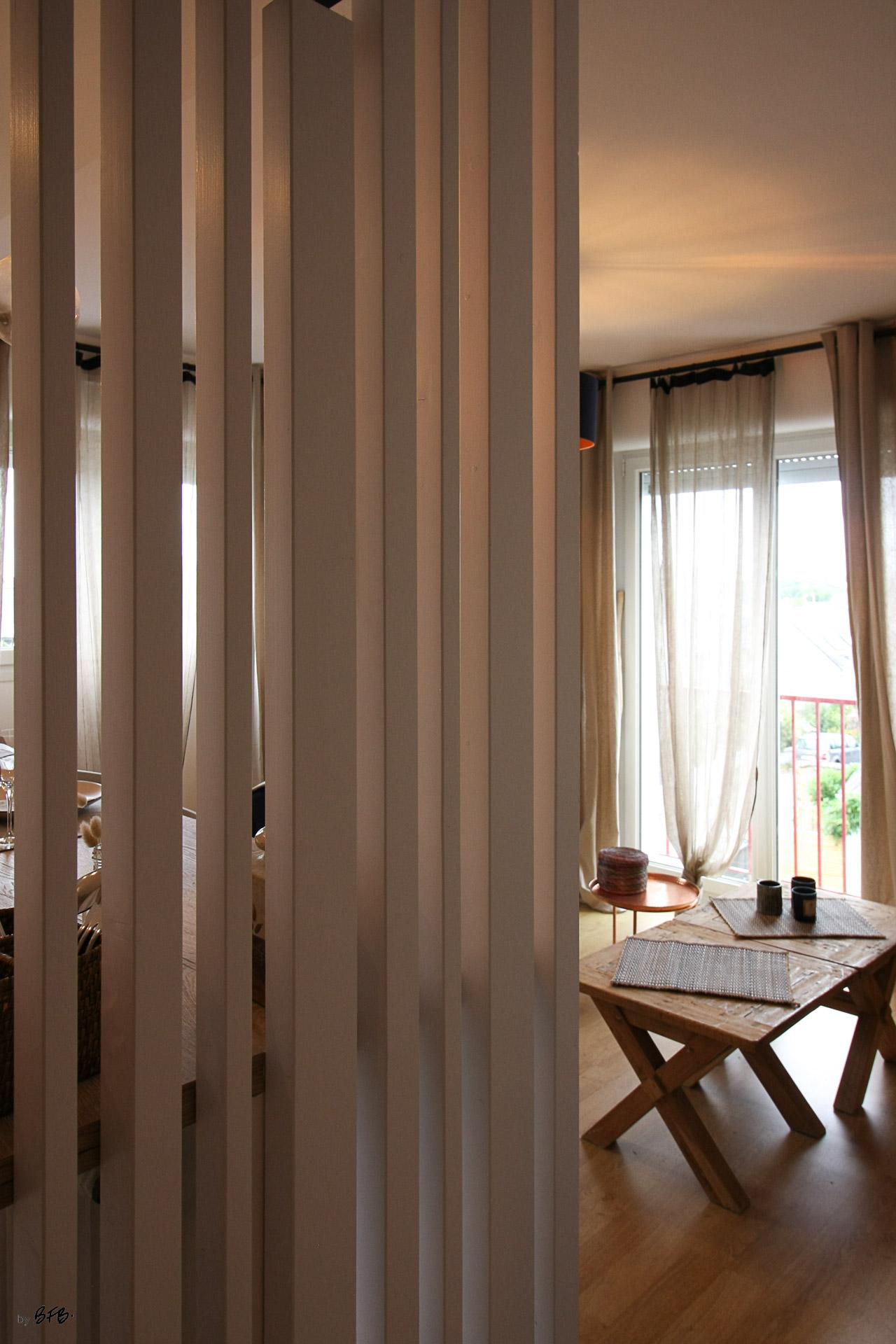 Rénovation appartement Ploemeur by Agence BFB Morbihan et Ile de Ré, claustra séparatif cuisine et entrée