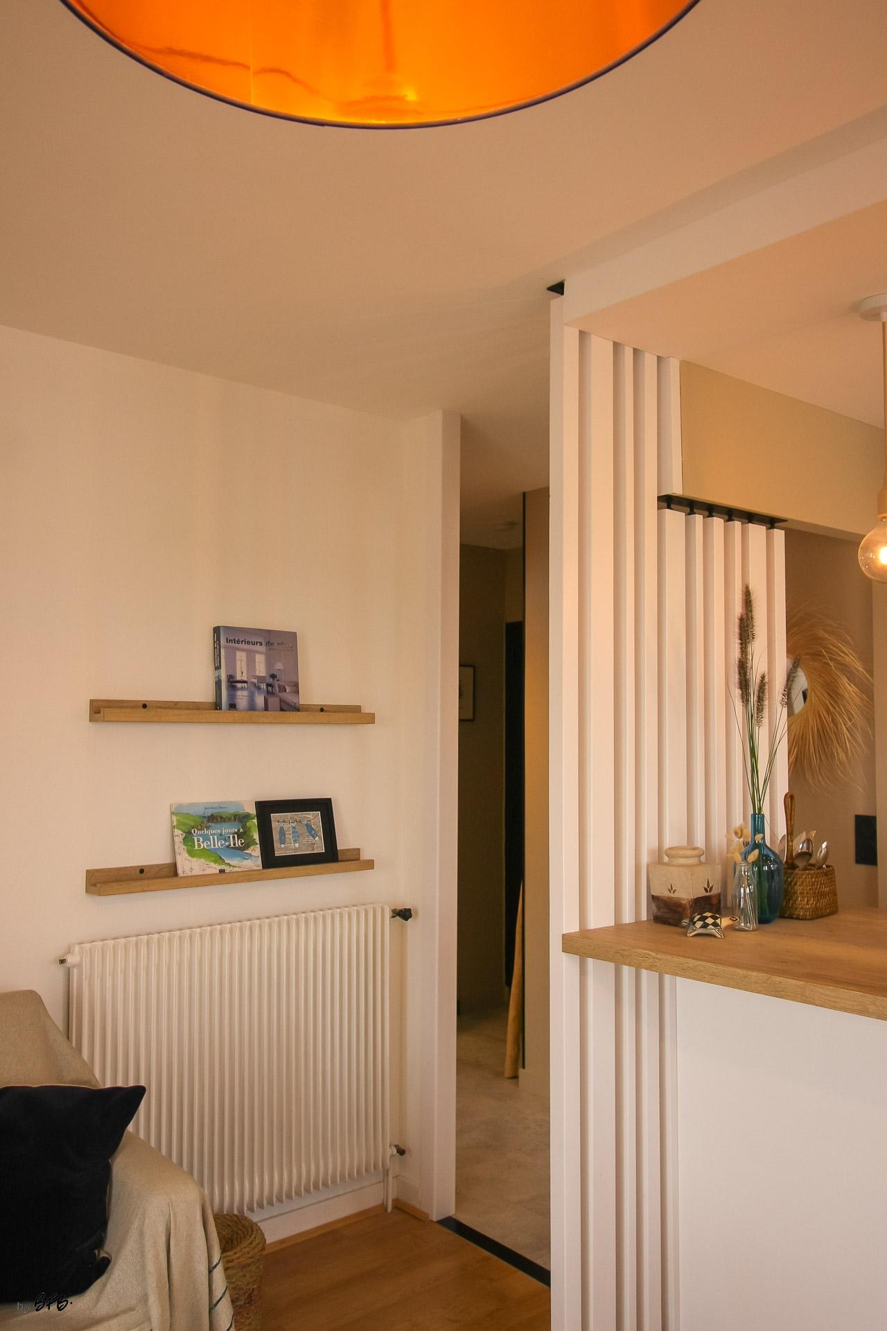 Rénovation appartement Ploemeur by Agence BFB Morbihan et Ile de Ré, le claustra bois peint et acier