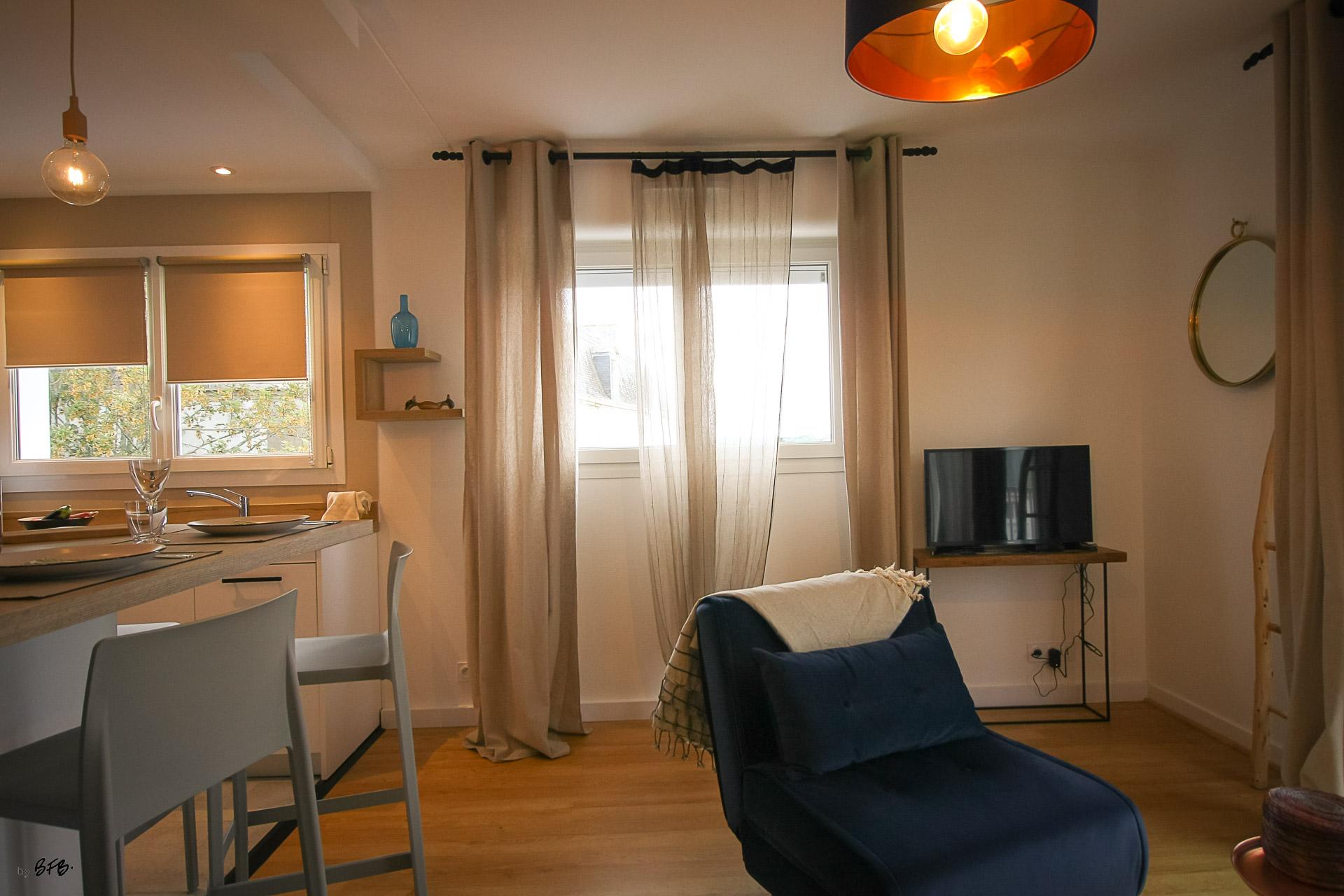 Rénovation appartement Ploemeur by Agence BFB Morbihan et Ile de Ré, espace repas et salon
