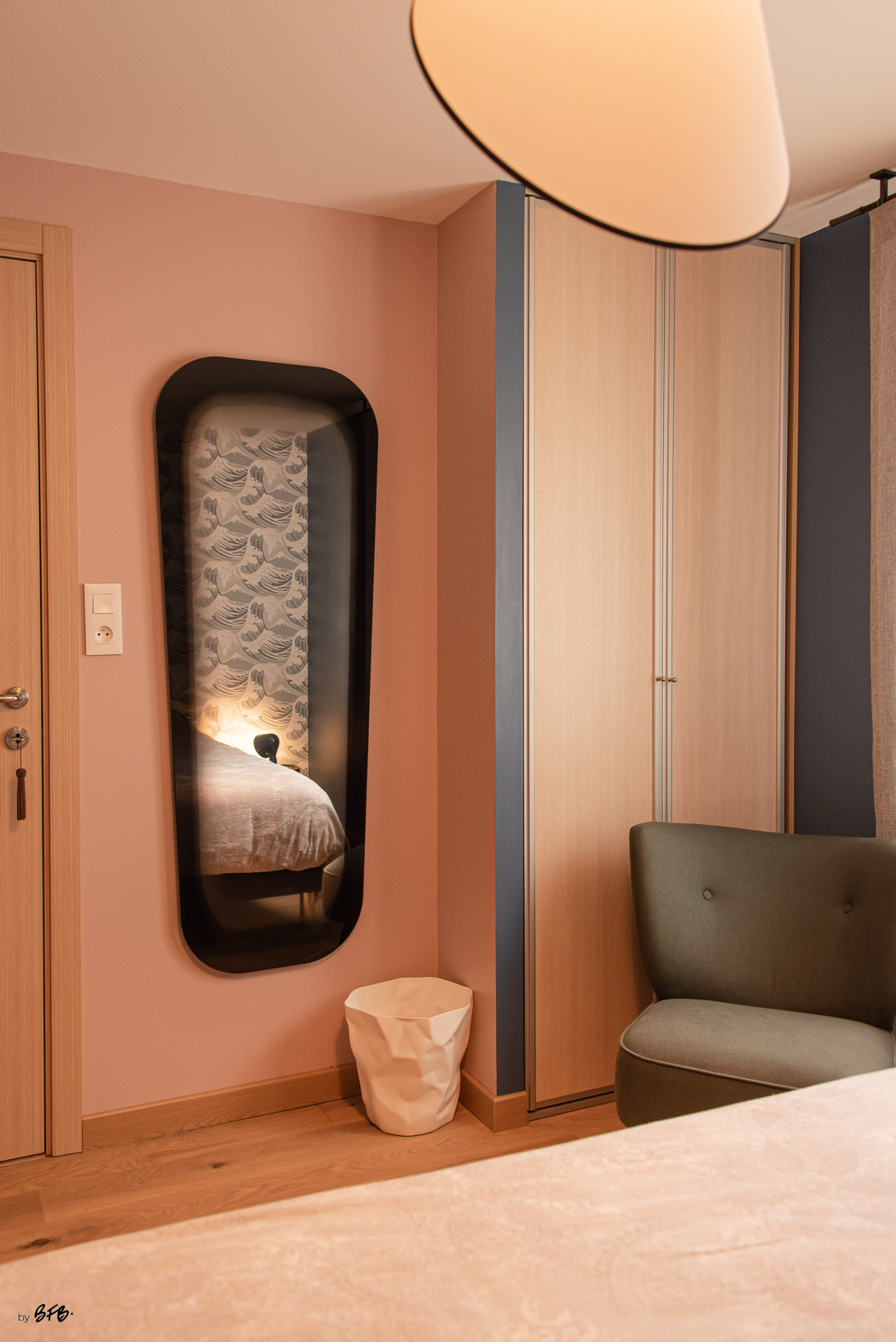 Création ambiance, rénovation, extension, maison à Brest, by Agence BFB Morbihan & Ile de Ré, chambre parentale bleue et rose