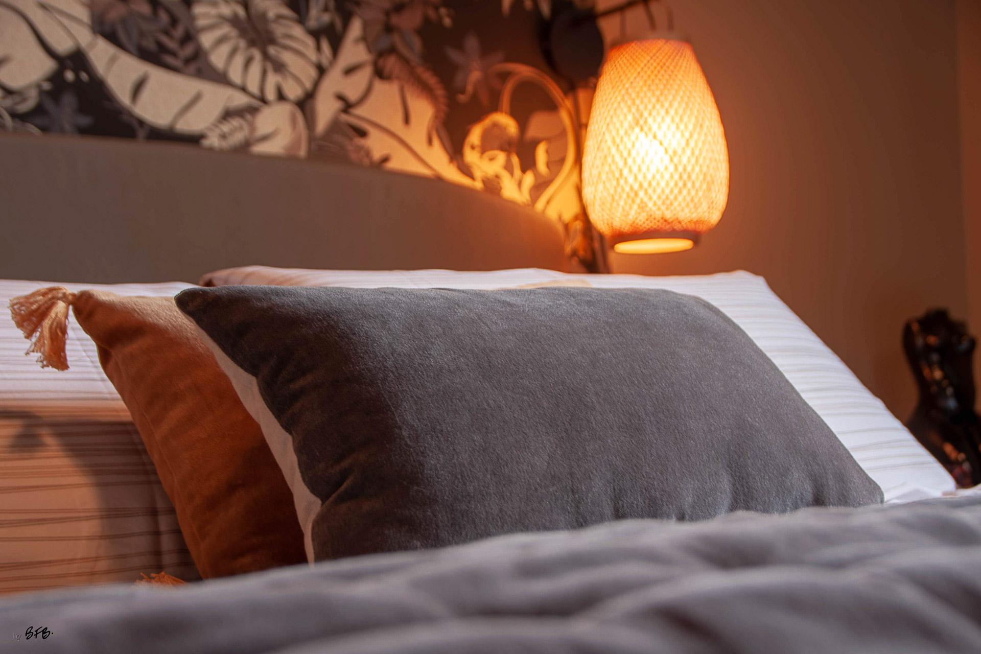 Suite parentale sur le thème des voyages, by Agence BFB, Morbihan et île de Ré, focus linge de nuit